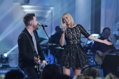 "AMERICAN IDOL: L-R: David Cook with contestant Olivia Rox in the ""Showcase #4: Judges Vote"" episode of AMERICAN IDOL airing Thursday, Feb. 18 (8:00-10:00 PM ET/PT) on FOX. © 2016 FOX Broadcasting Co. Cr: Ray Mickshaw / FOX."