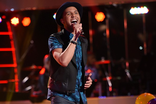 AMERICAN IDOL XIV: Rayvon Owen performs on AMERICAN IDOL XIV on Thursday, March 12 (8:00-10:00 PM ET/PT) on FOX. CR: Michael Becker / FOX. © 2015 FOX Broadcasting.