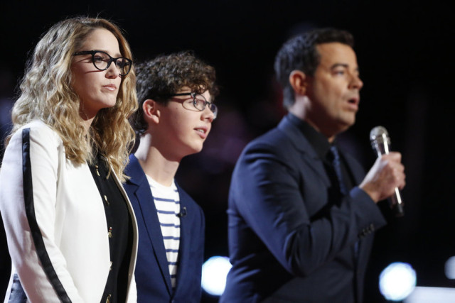 "THE VOICE -- ""Live Top 10"" Episode 916B -- Pictured: (l-r) Korin Bukowski, Braiden Sunshine, Carson Daly -- (Photo by: Trae Patton/NBC)"