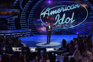 "AMERICAN IDOL: Ryan Seacrest in the ""Wildcard Night: Judges Pick"" episode of AMERICAN IDOL airing Wednesday, Feb. 24 (8:00-9:01 PM ET/PT) on FOX. © 2016 Fox Broadcasting Co. Cr: Ray Mickshaw / FOX."