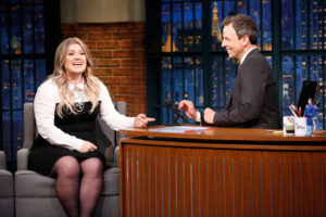 LATE NIGHT WITH SETH MEYERS -- Episode 430 -- Pictured: (l-r) Musician Kelly Clarkson during an interview with host Seth Meyers on October 4, 2016 -- (Photo by: Lloyd Bishop/NBC)