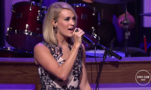 American Idol's Carrie Underwood Inks Deal with Capitol Records Nashville