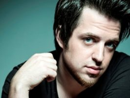 American Idol's Lee DeWyze, 'Breakdown' Lyric Video, New Album News