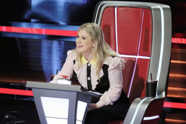 "THE VOICE -- ""Knockout Rounds"" -- Pictured: Kelly Clarkson -- (Photo by: Trae Patton/NBC)"