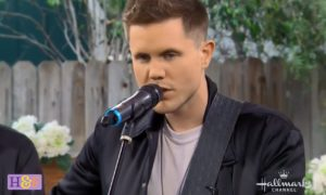 American Idol's Trent Harmon Home & Family Performance VIDEOS