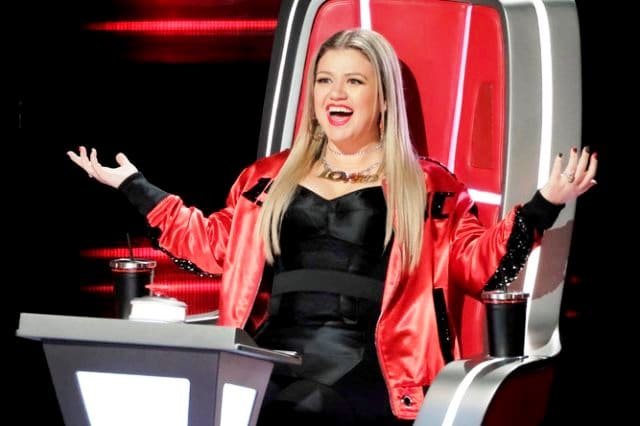 THE VOICE -- ?Blind Auditions? Episode 1505 -- Pictured: Kelly Clarkson -- (Photo by: Trae Patton/NBC)