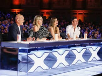 "AMERICA'S GOT TALENT -- ""Auditions"" -- Pictured: (l-r) Howie Mandel, Heidi Klum, Sofia Vergara, Simon Cowell -- (Photo by: Trae Patton/NBC)"