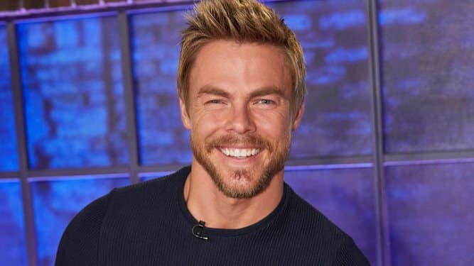 Derek Hough returns to Dancing with the Stars