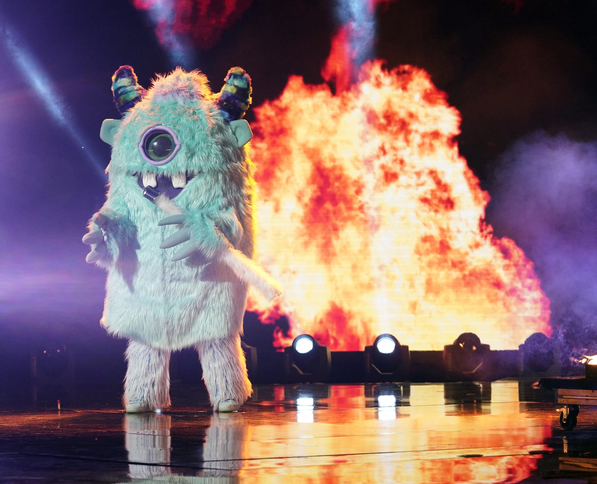 """THE MASKED SINGER: Monster in the all-new """"Five Masks No More"""" episode of THE MASKED SINGER airing Wednesday, Jan. 16 (9:00-10:00 PM ET/PT) on FOX. © 2019 FOX Broadcasting. CR: Michael Becker / FOX."""