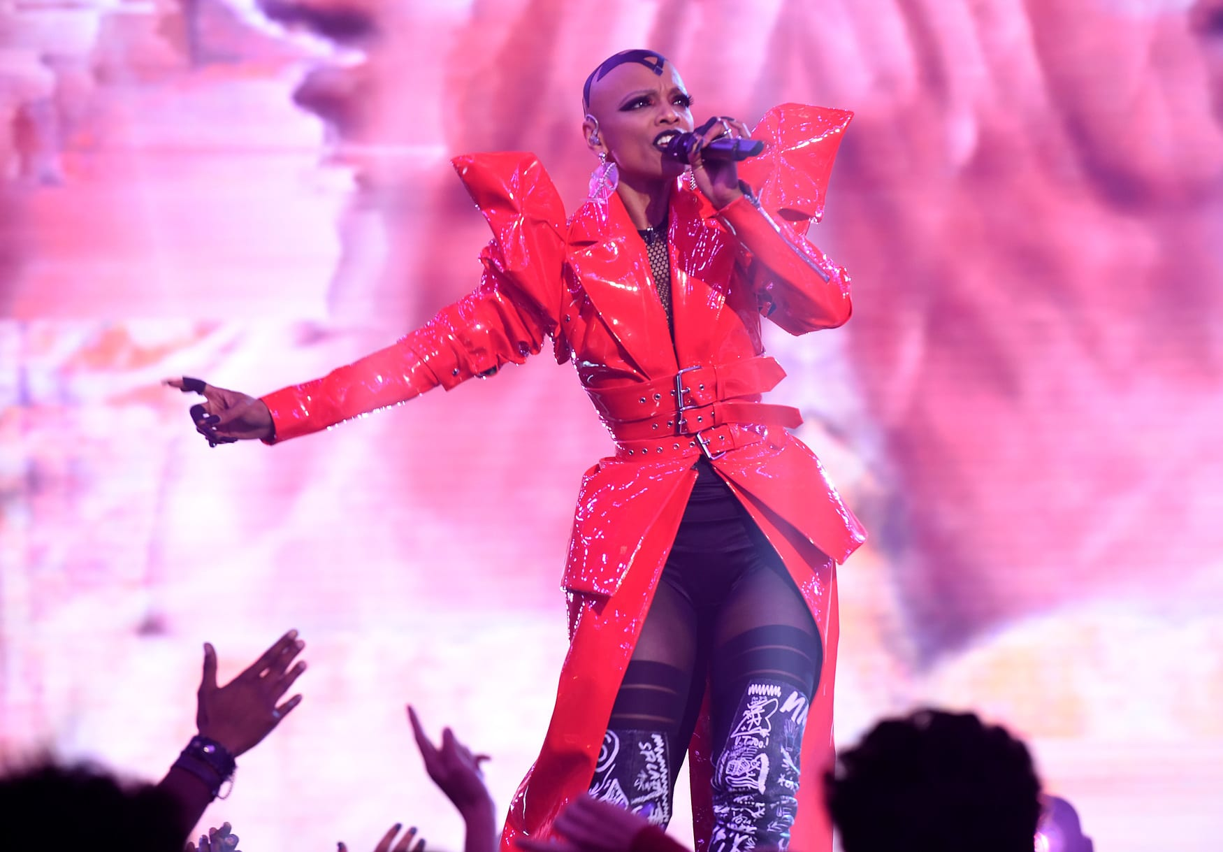 "THE FOUR: BATTLE FOR STARDOM: Contestant Sheraya J performs in the ""The Finale"" Season Two finale episode of THE FOUR: BATTLE FOR STARDOM airing Thursday, August 2 (8:00-10:00 PM ET/PT) on FOX. CR: Ray Mickshaw / FOX. © 2018 FOX Broadcasting Co."